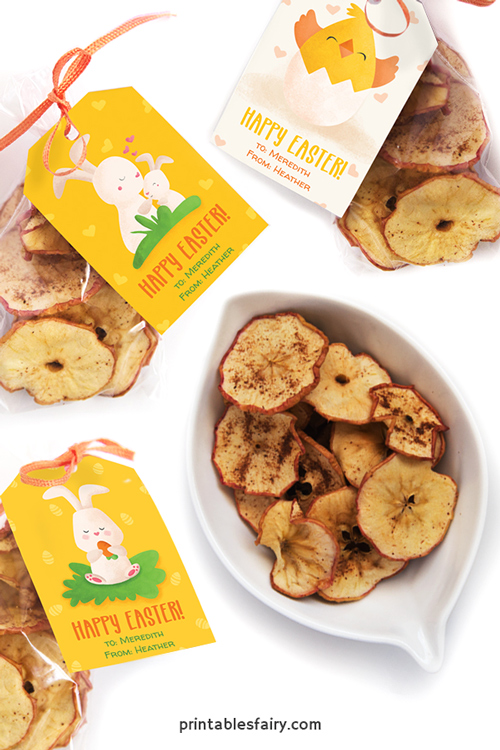 Apple chips in bags with gift tags featuring rabbits and a chick that say Happy Easter!