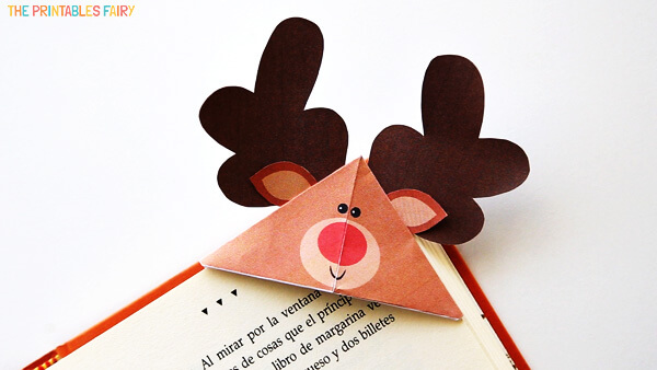 Best Christmas Paper Crafts featured by top Seattle lifestyle blogger, Marcie in Mommyland: Reindeer Bookmark