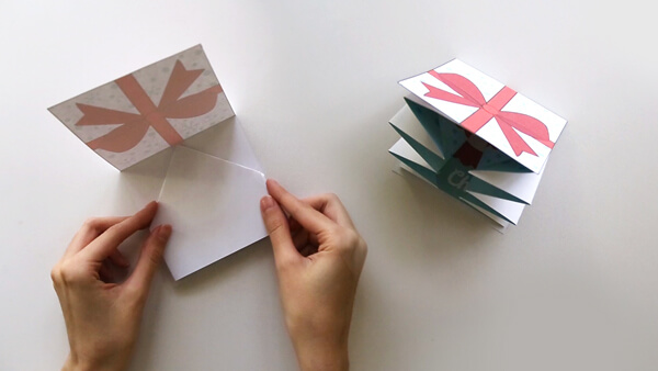 Glue the folded card into the gift card