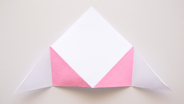 Pink triangles' edges creased