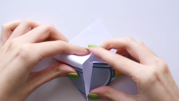 Push corners inside the pocket