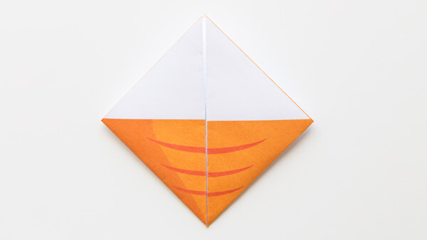 Fold lateral corners up
