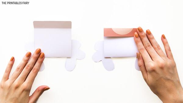 Fold puppet